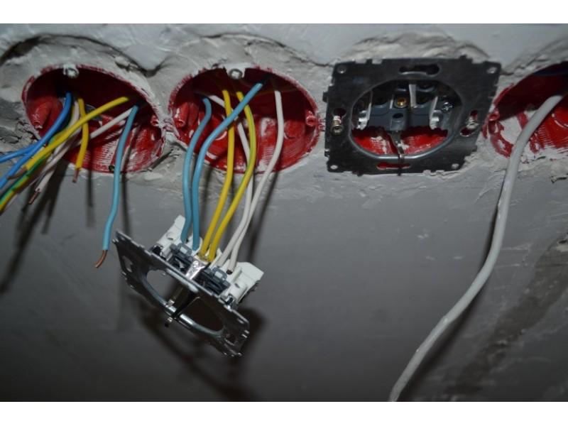 Как соединить провода при переносе розетки