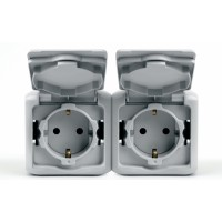 Pозетка 2X2P+Е 16А со шторкоками серый IP 44 Quteo