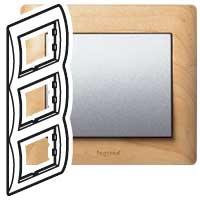 Рамка 3 поста вертикальная Maple